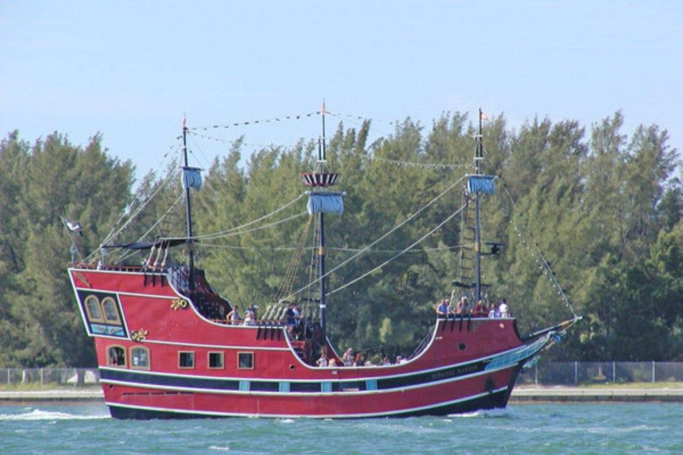 清水滩海盗巡游日游