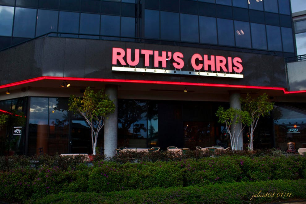 Ruth 39 s chris steak house honolulu restaurants review for S kitchen steak house