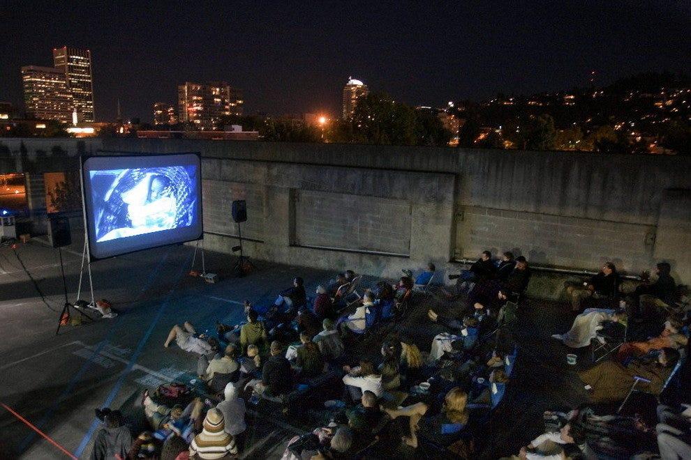 自上而下:屋顶电影系列