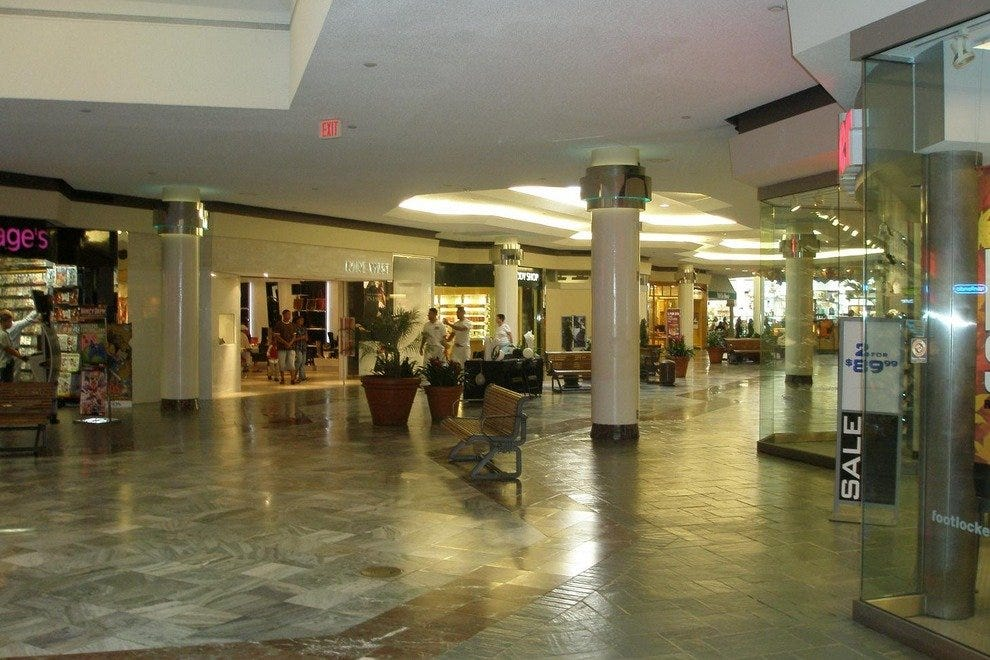 Lakeside Shopping Center