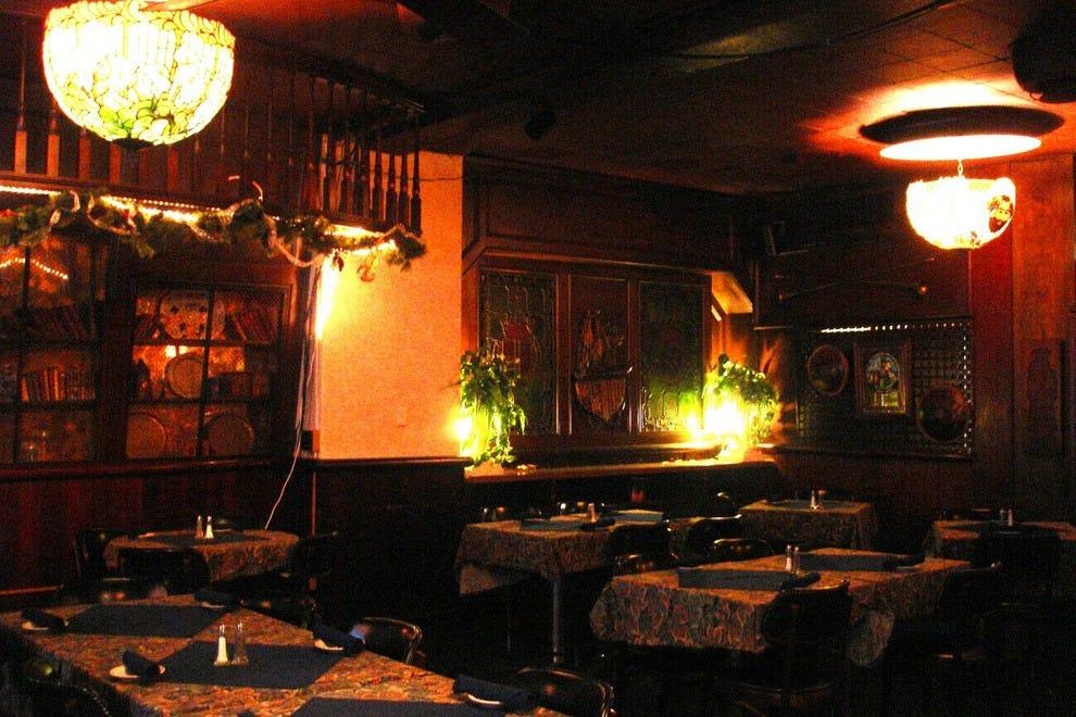 Rochester chop house detroit restaurants review 10best for Rochester house