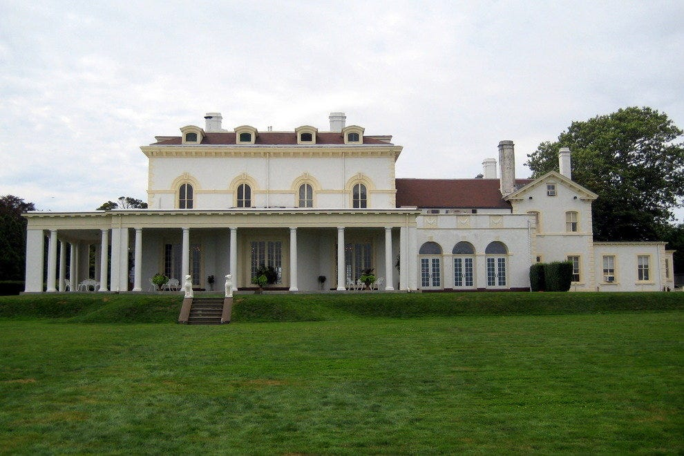 Astors' Beechwood Mansion