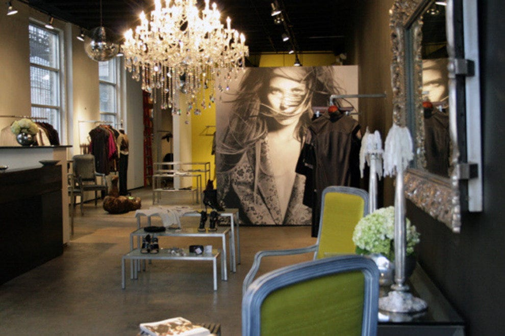 Koros chicago shopping review 10best experts and for Boutique hotels chicago north side