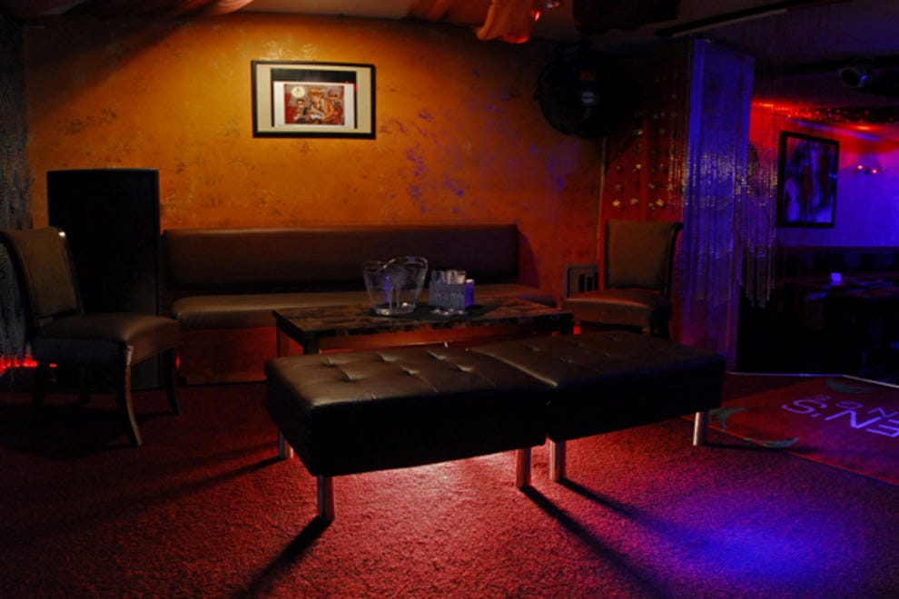 Nightlife in mt vernon nightlife article by for 13th floor bar baltimore