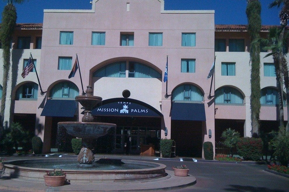 Harry's Place @ Tempe Mission Palms Hotel