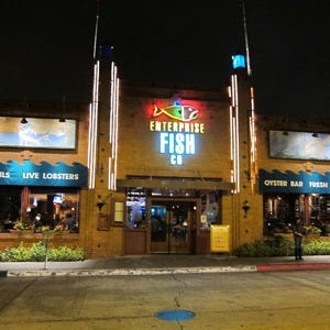 Santa monica 39 s best restaurants restaurants in los angeles for Enterprise fish co santa monica