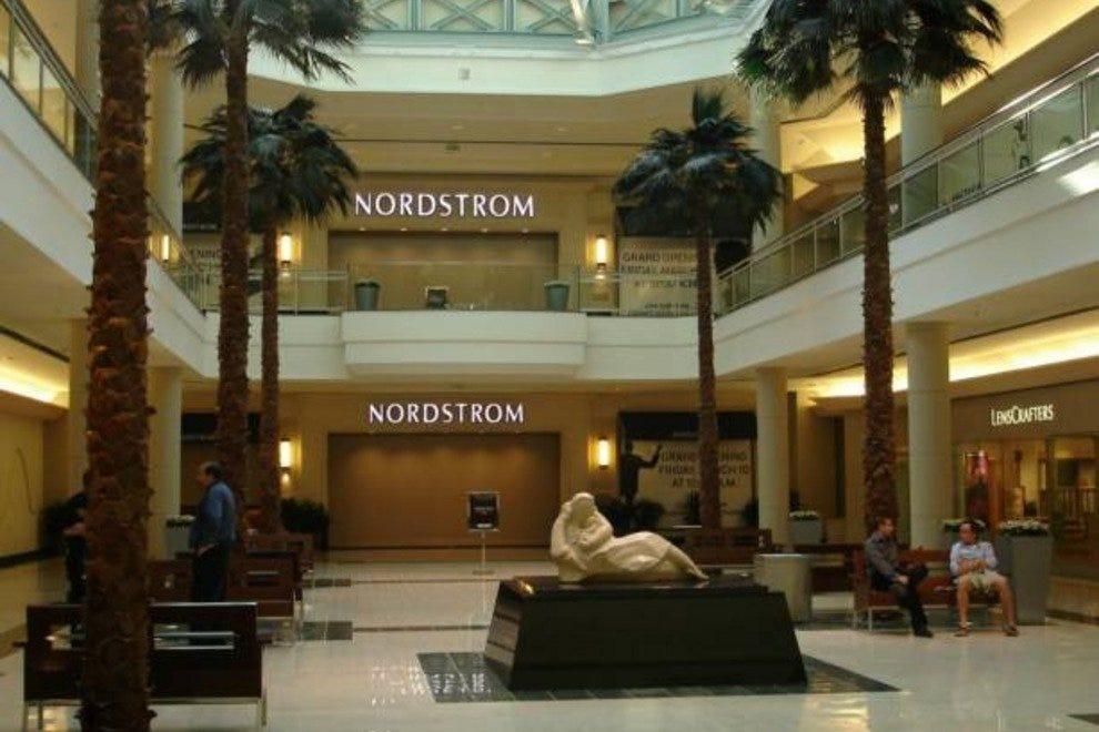 Mall At Robinson