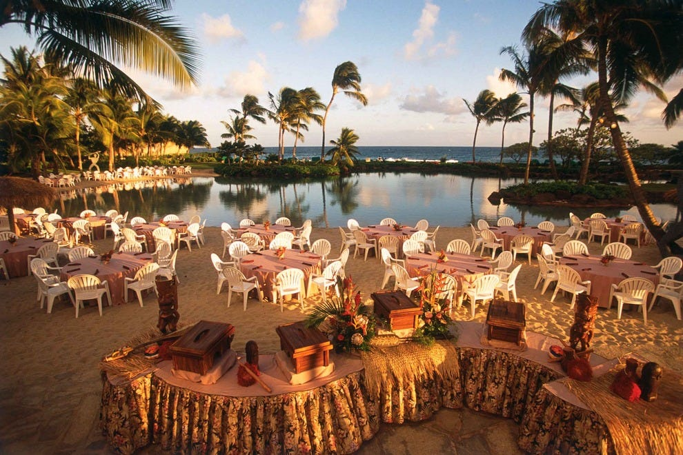 Beachfront Dining: Restaurants in Kauai