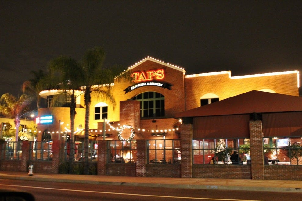taps fish house brewery los angeles restaurants review