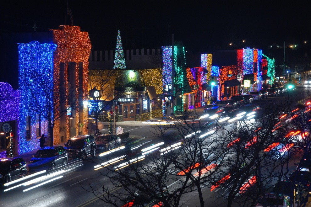 Rochester Michigan puts on a holiday face at Christmas
