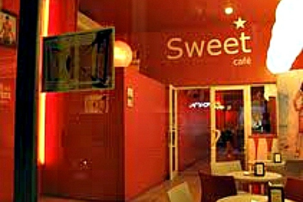 Barcelona Gay Clubs: 10Best Gay Bars Reviews