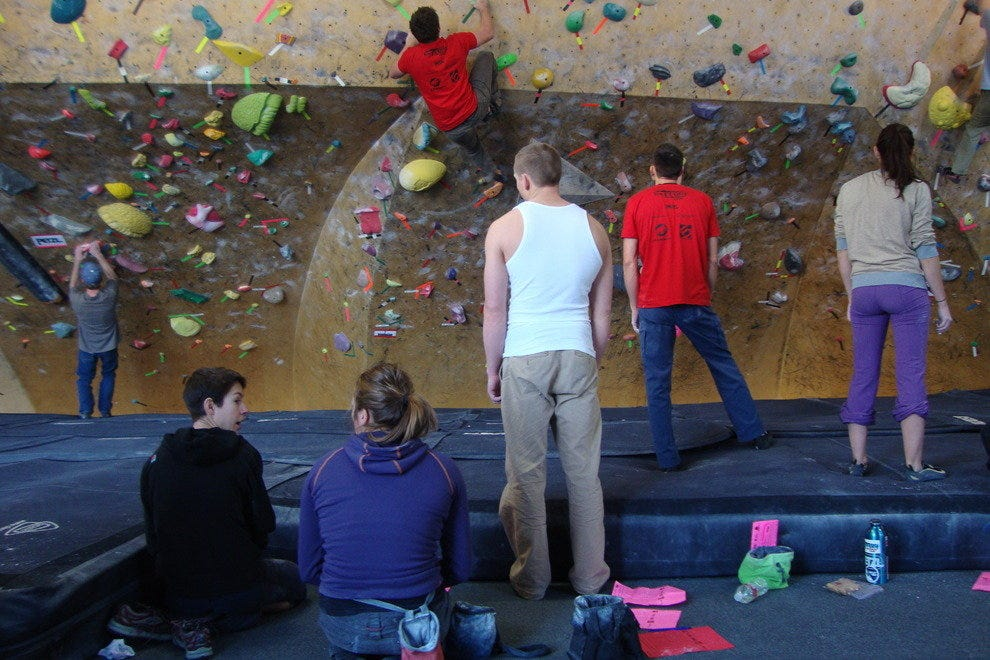 Bouldering on The Front's Steepest Wall