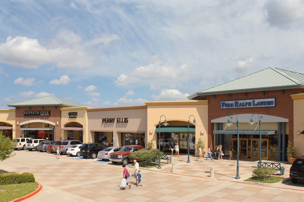 Jul 16,  · Grapevine Mills: Best outlet mall in Dallas/FtWorth area - See traveler reviews, candid photos, and great deals for Grapevine, TX, at TripAdvisor. Grapevine. Grapevine Tourism Grapevine Hotels Grapevine Vacation Rentals Grapevine Vacation Packages Flights to Grapevine5/5.
