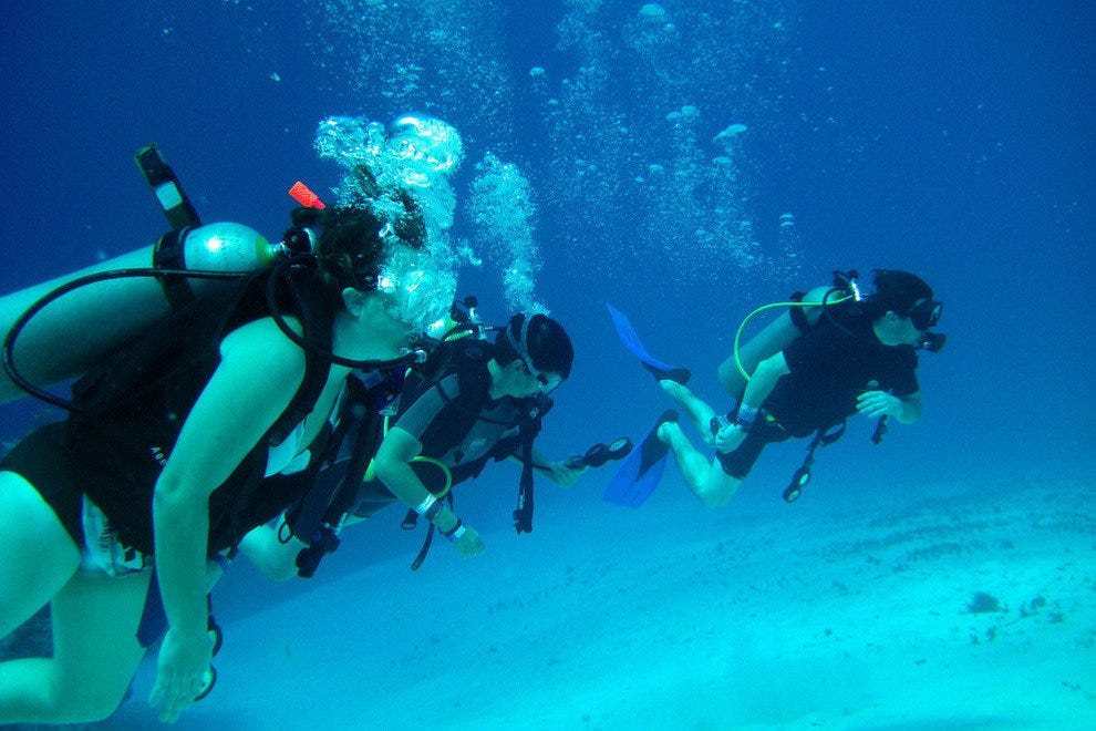 Cozumel Mexico offers sunny weather and clear blue seas, perfect for scuba diving on vacation