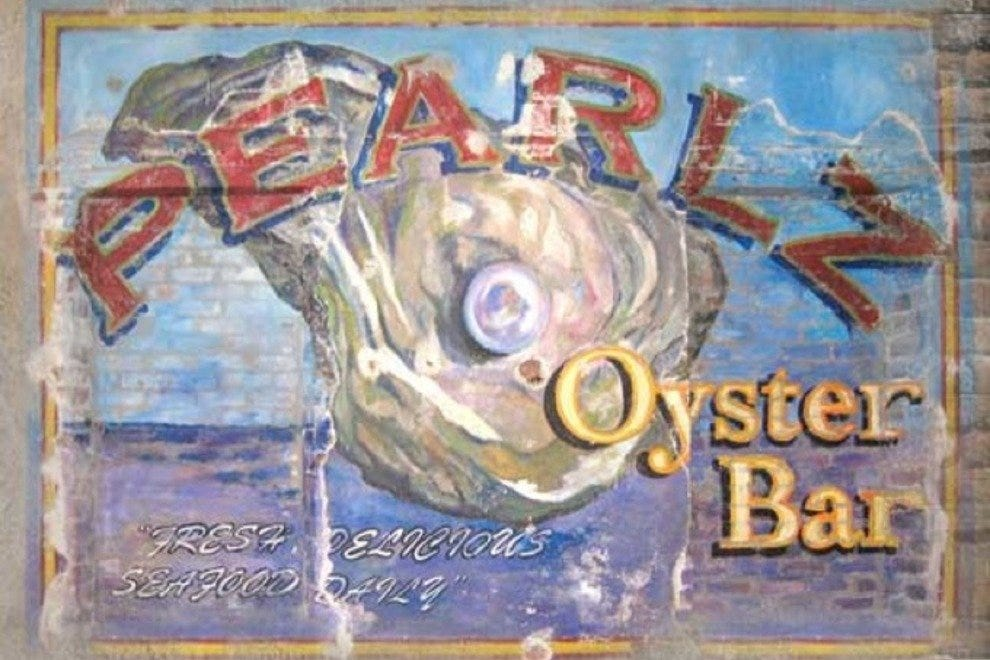 Pearlz Oyster and Raw Bar