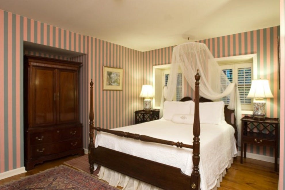 Battery Carriage House Inn Bed And Breakfast