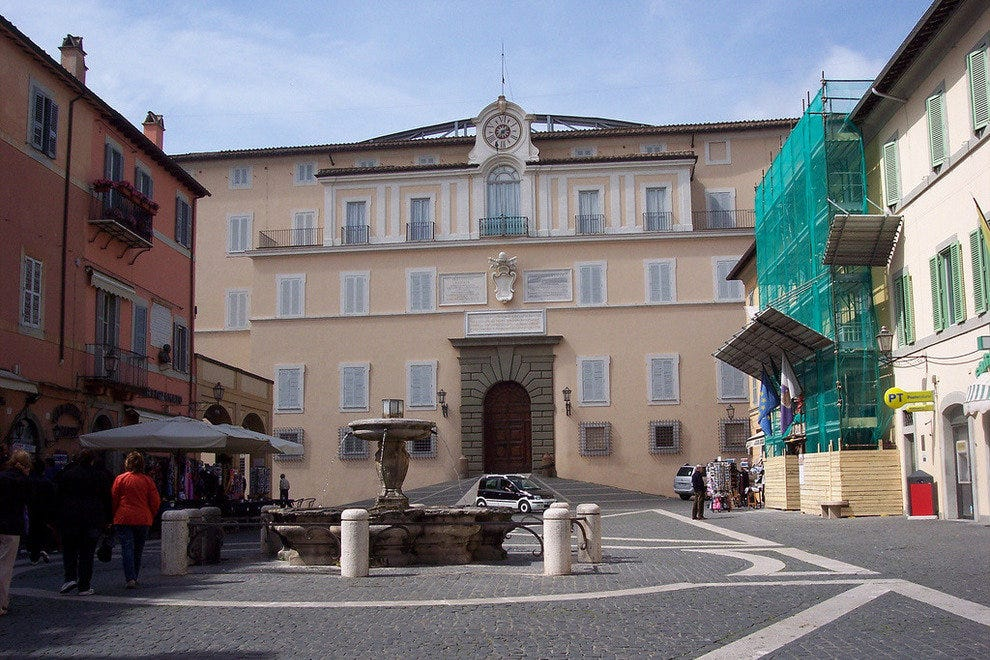 Taking a stroll through Centro Storico at Castel Gandolfo