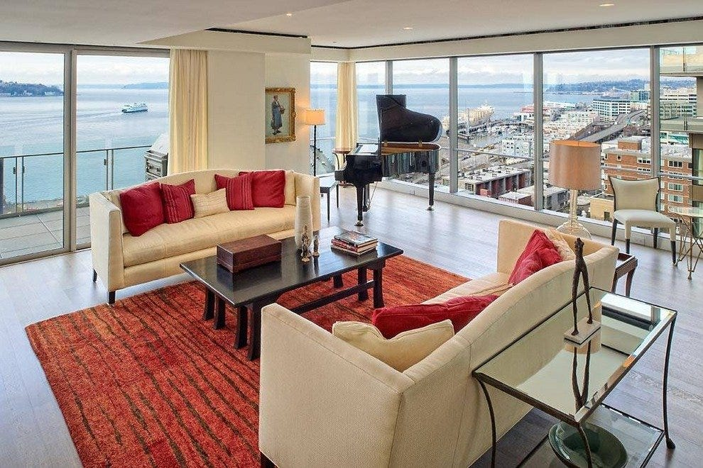 Four Seasons Hotel Seattle made the top 10 national hotels list from U.S. News & World Report.