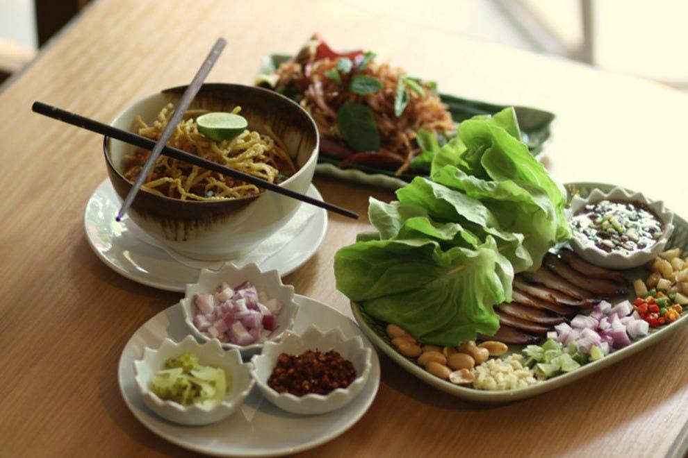 show user reviews john shophouse deli bangkok