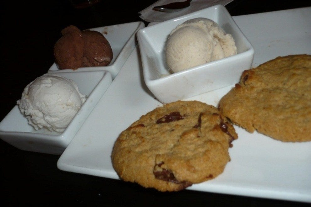 Homemade Chocolate Chunk Cookies A La Gelato