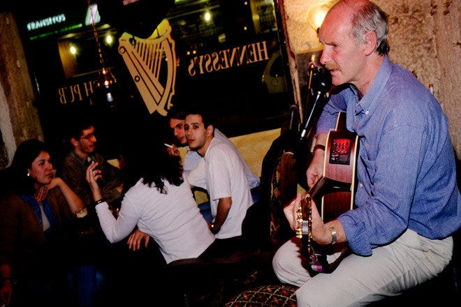Hennessy S Irish Pub Lisbon Nightlife Review 10best Experts And