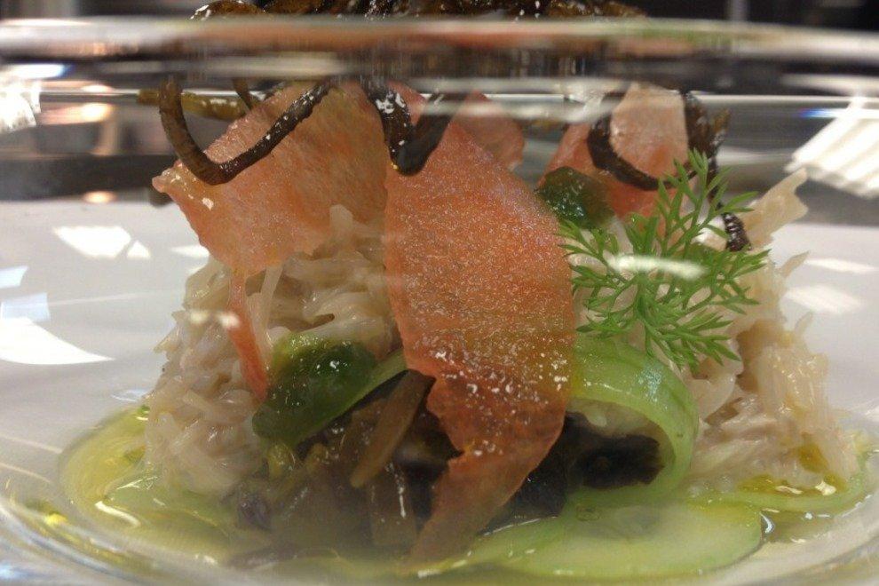 Глава Один Лучшие рестораны Дублина для наслаждения высокой кухней Лучшие рестораны Дублина для наслаждения высокой кухней p AsJt2GlCIAE35Oj 54 990x660 201406020119