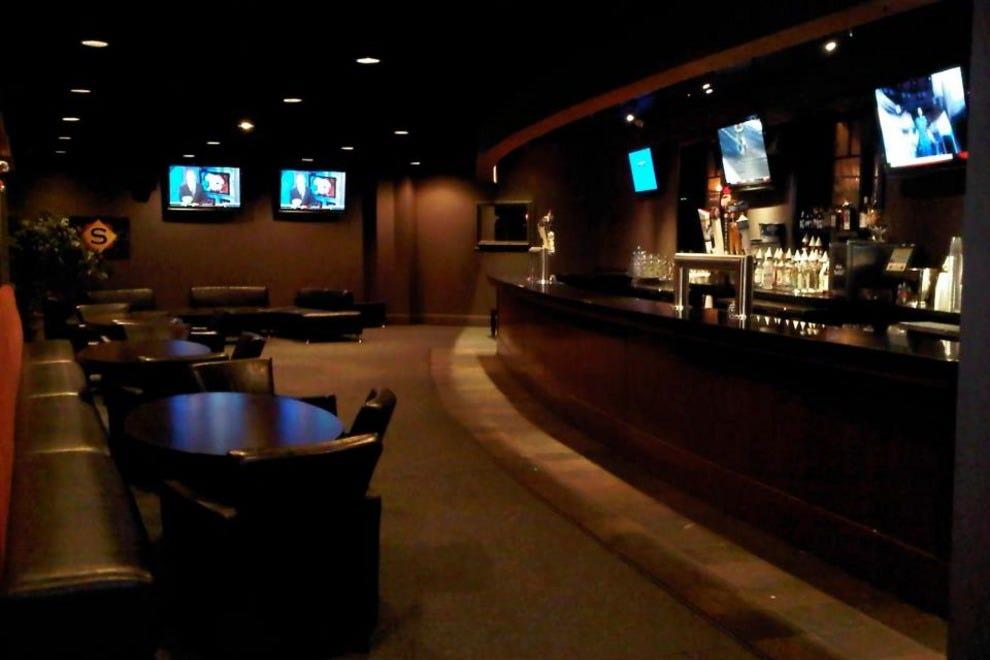 Boston Sports Bars: 10Best Sport Bar & Grill Reviews