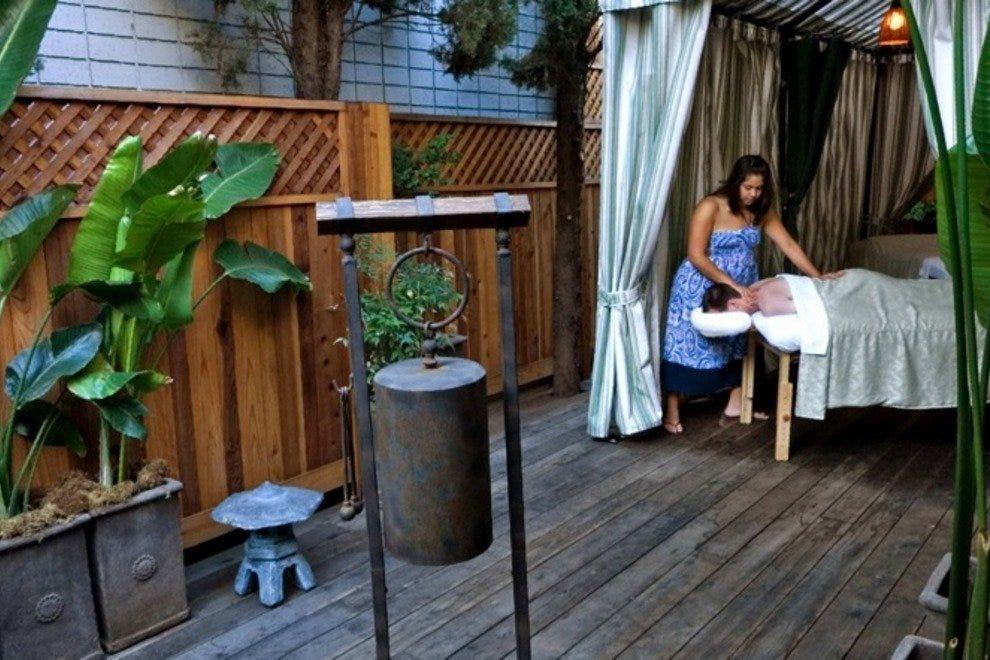larchmont sanctuary spa los angeles shopping review. Black Bedroom Furniture Sets. Home Design Ideas