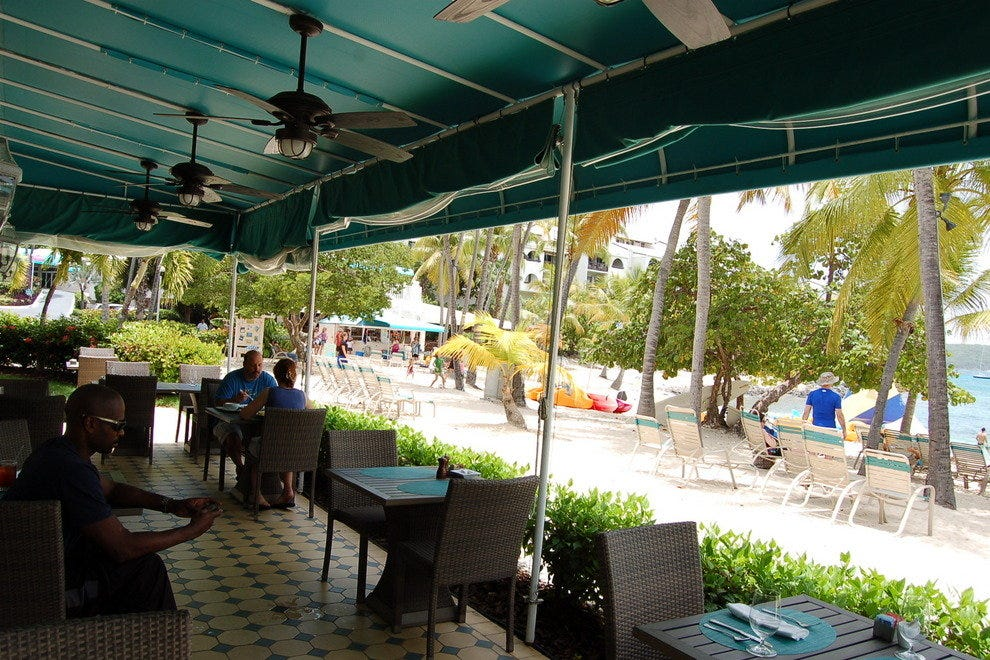 The outdoor patio at Caribbean Fish Market
