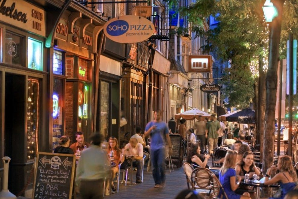 Old City Is The Touristic Heart Of Philadelphia Where You Ll Find Liberty Bell Independence Hall Betsy Ross House Ben Franklin S Worke