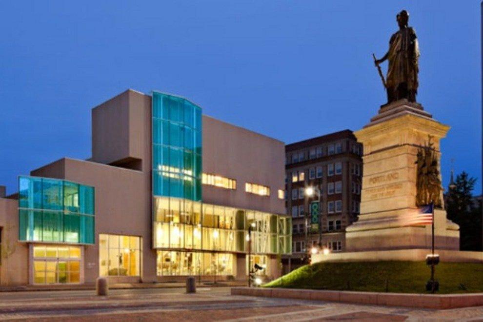 波特兰公共图书馆