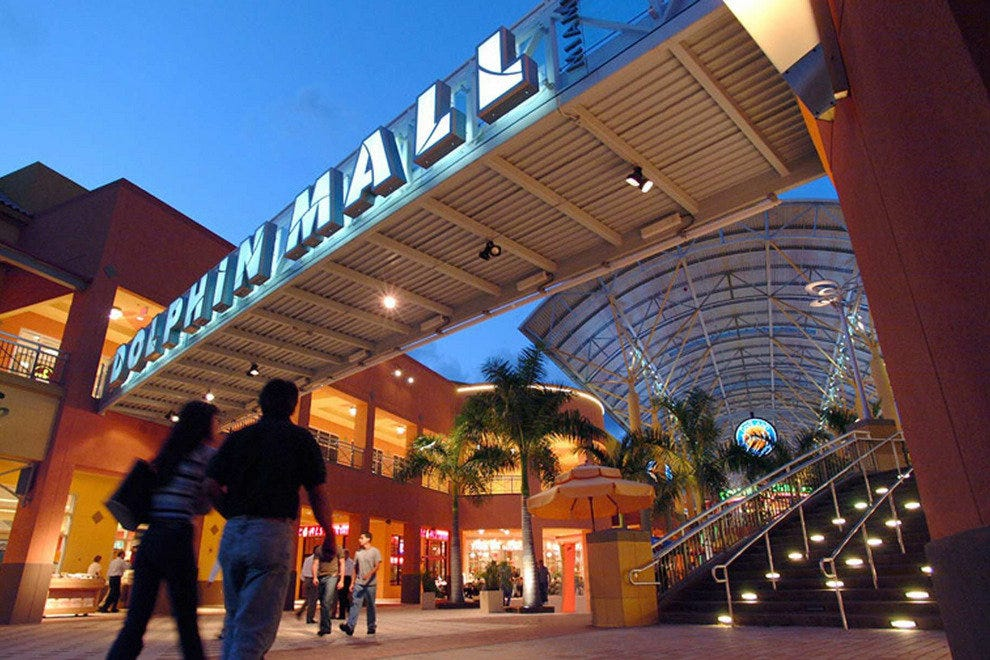 Dolphin Mall  Miami Shopping Review - 10Best Experts and Tourist Reviews 548946d53dbb0