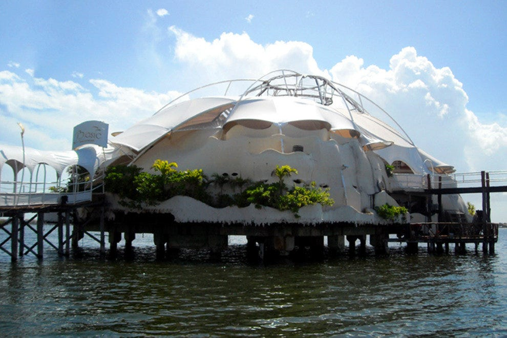 Basic Discotheque Cancun abruptly closed at the beginning of summer 2012