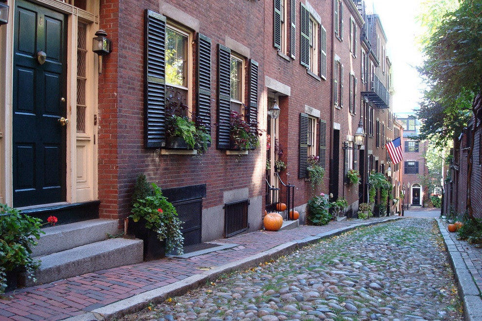Cobbled stones of Acorn Street