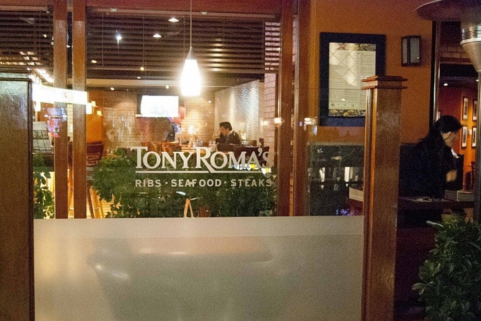 Tony Roma's at Larcomar