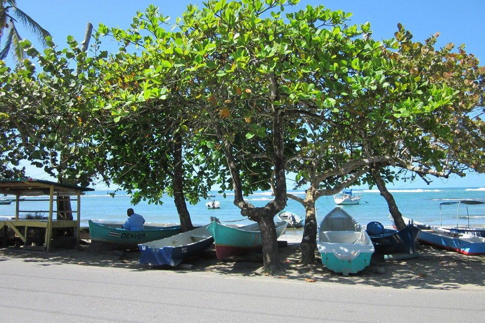 从Koki海滩观看