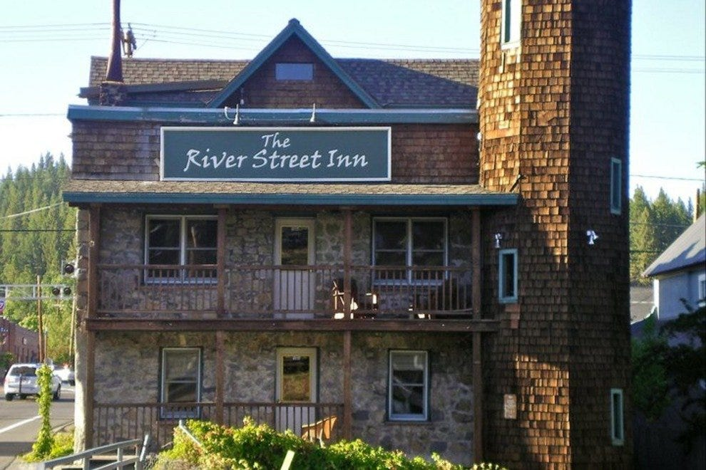 The River Street Inn is located right in downtown Truckee