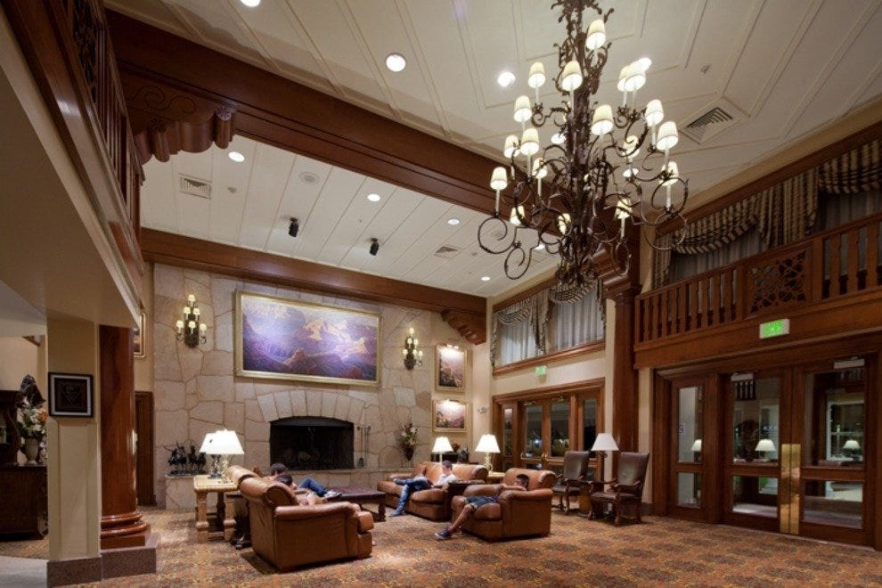 10 Best Hotels Near National Parks Family Article By