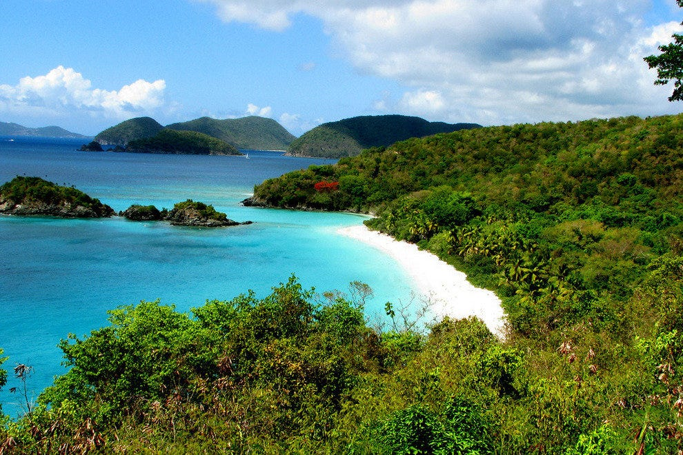 Blue waters of Trunk Bay