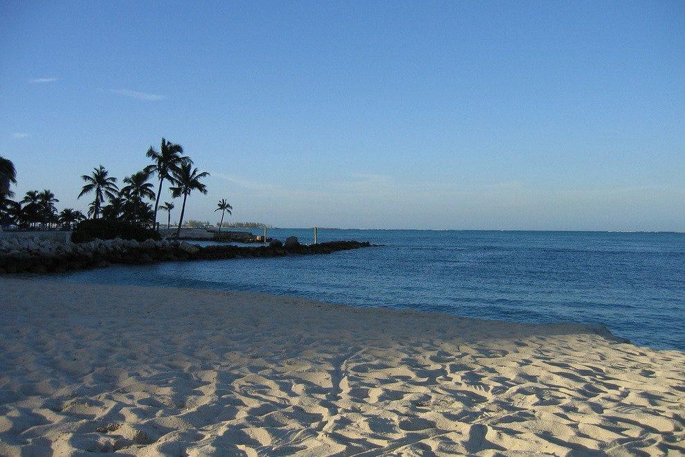 孟塔古海滩
