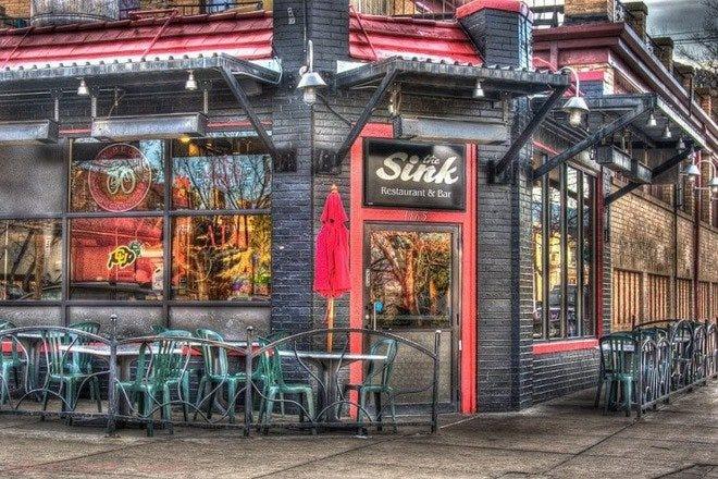 Folsom Field附近的餐馆