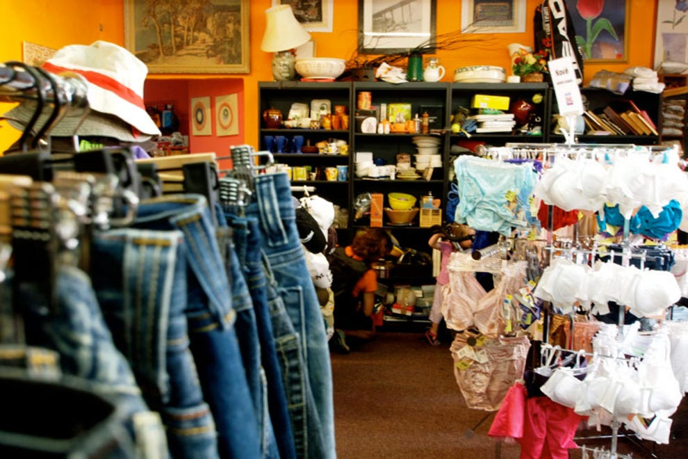 Clothing stores online What store buys used clothes