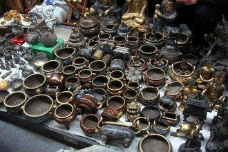 Panjiayuan, Beijing's Hotspot for Antiques and Memorabilia