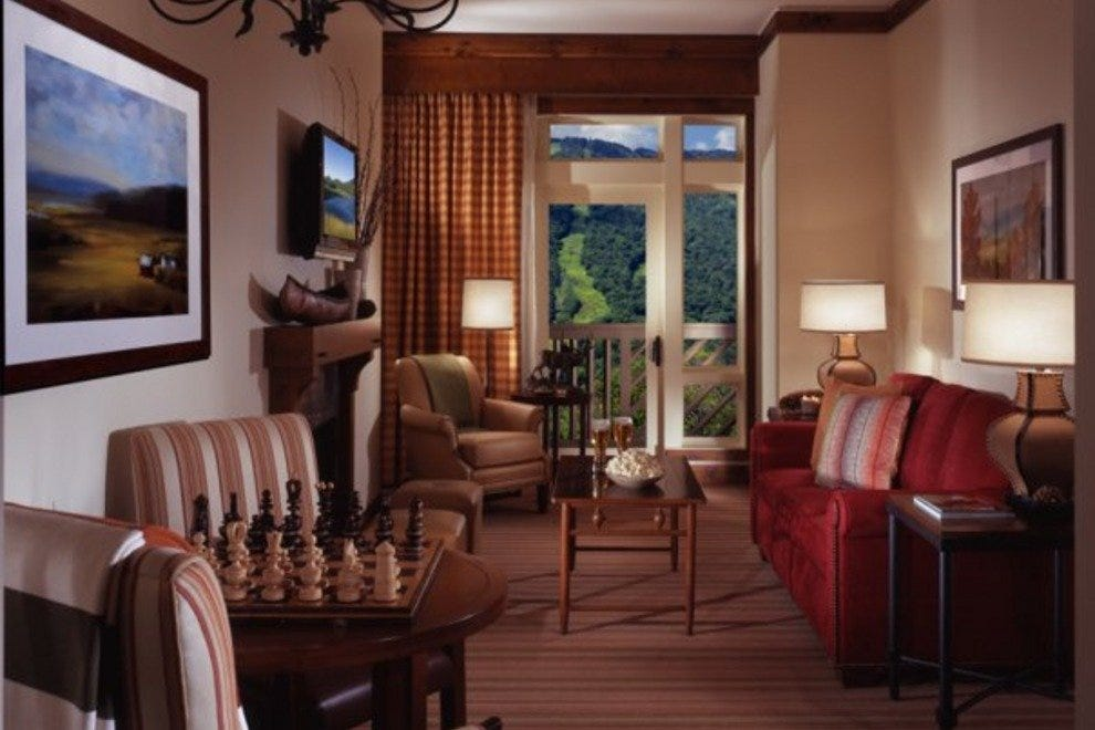 10 best vermont 39 s alpine style lodging at stowe mountain for The family room vermont