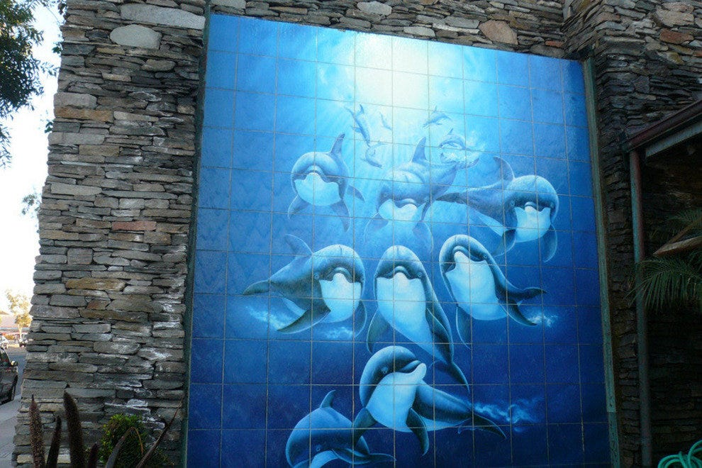Wyland mural outside the Laguna Beach Wyland gallery.
