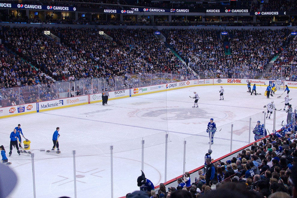 10 Best Places to Watch a Hockey Game