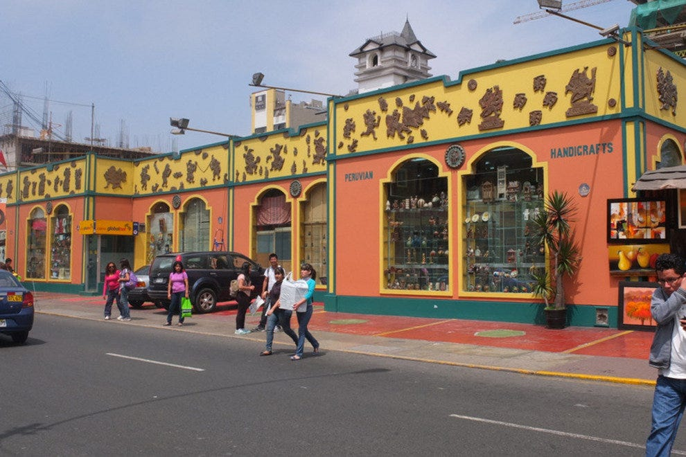 Souvenirs And Handicrafts At Lima S Indian Markets