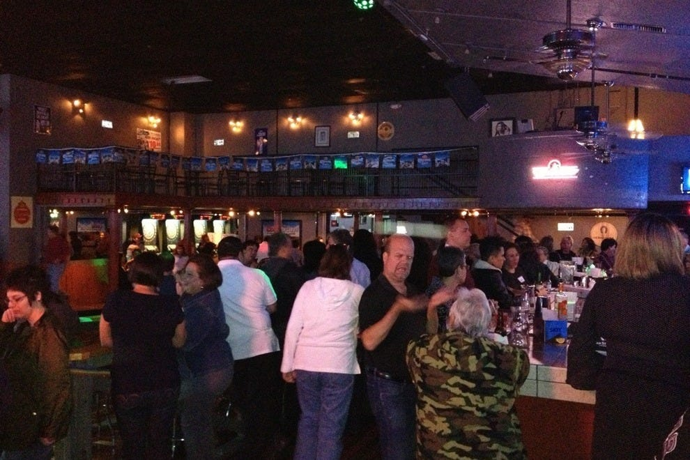 Sa Country Saloon San Antonio Nightlife Review 10best
