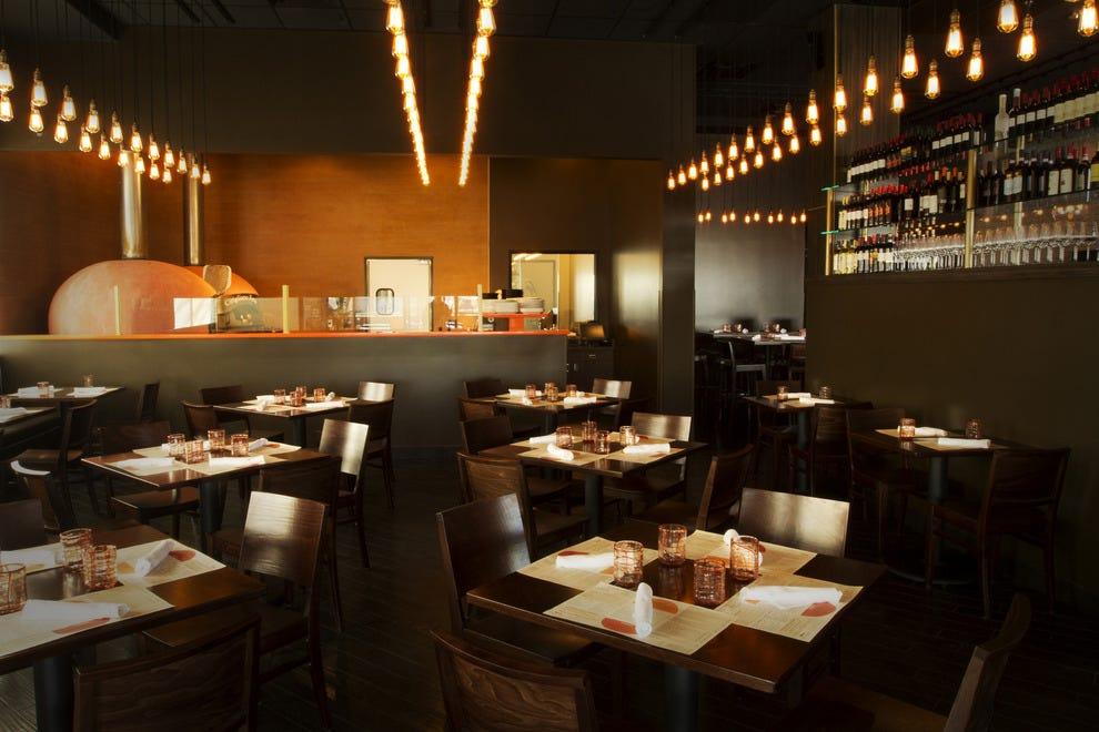 Best las vegas lunch restaurants top 10best restaurant for Pizza restaurants