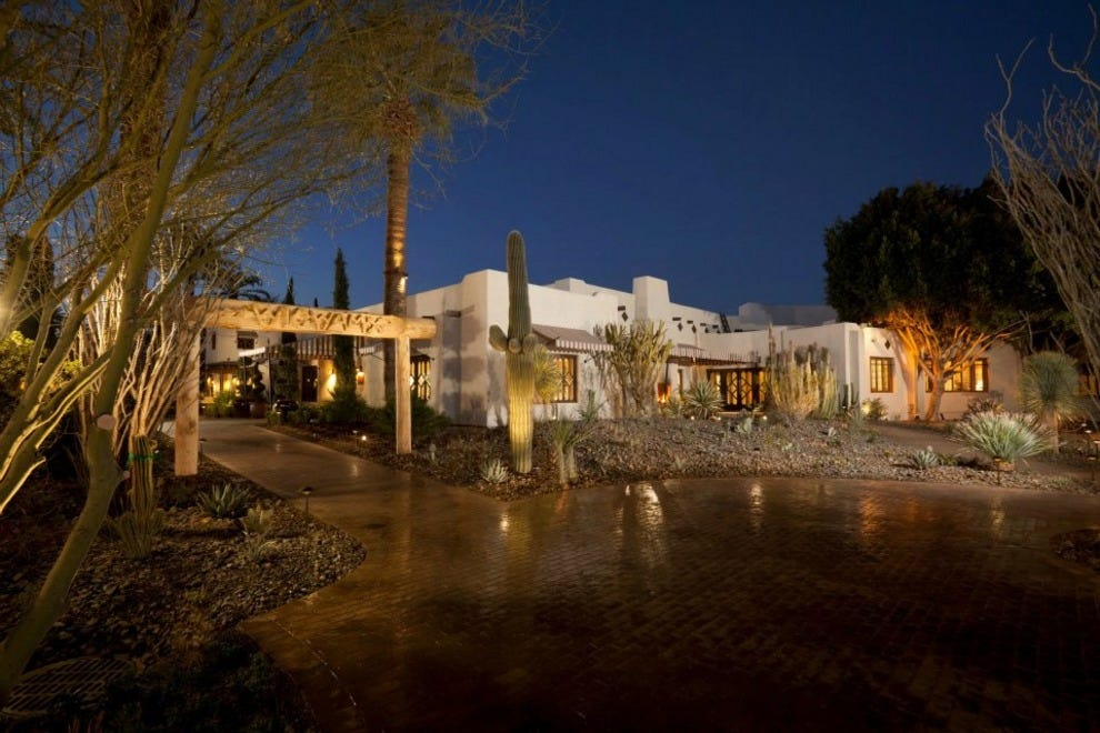 phoenix luxury hotels in phoenix az luxury hotel. Black Bedroom Furniture Sets. Home Design Ideas